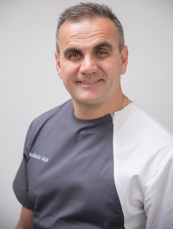 Dr. Akos Nyaradi