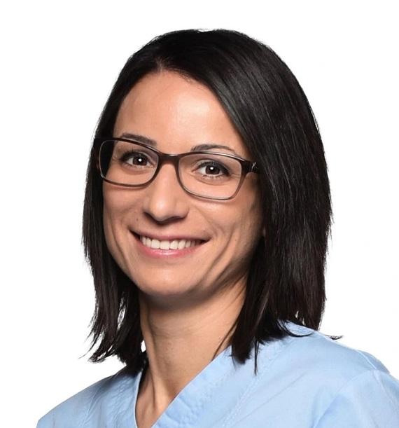 Dr. med. dent. Krisztina-Dora Harmat